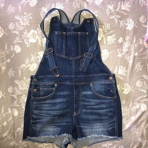 NEVER WORN stretch high rise overall short